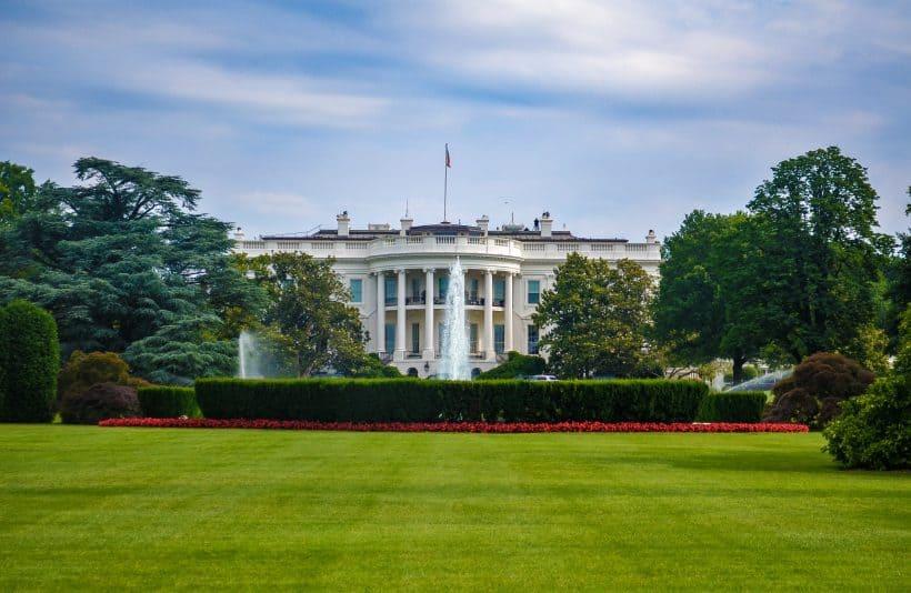 Het witte huis in de beste muurverf